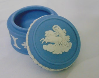 "Vintage Wedgwood 2-Piece Blue Jasperware LIDDED TRINKET BOX Two Horse Chariot Round 1.75"" Pill Box Fleur de Lis & Sunflowers - Mint!"
