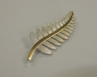 sterling silver fern brooch