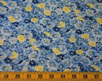 Daisy Cotton Fabric By The Yard, Blue and Yellow Daisies Quilting Cotton Fabric, Daisy Cotton Material, Yellow Blue Calico Fabric, t1-048