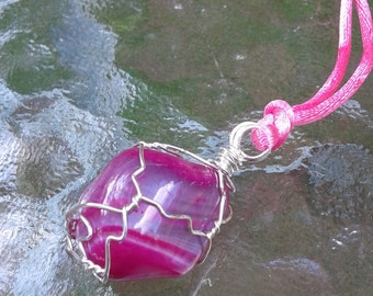 Perfectly pink agate pendant
