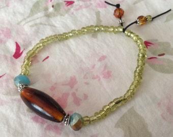 Simple Vintage Amber Glass Bead Stretch Bracelet