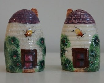 Salt & Pepper Shakers, vintage ceramic thatched roof hive house, clover mark, made in Japan