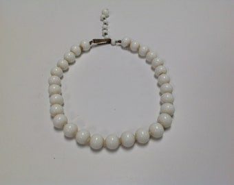 Vintage White Ceramic Bead Choker Style Necklace