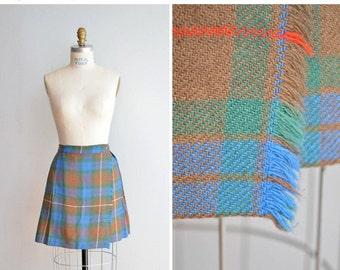 Vintage 1960s 1970s pleated plaid schoolgirl skirt