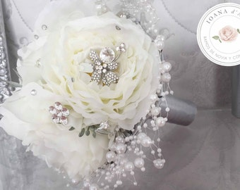 Bridal Brooch Bouquet, Brooch and Pearls Bouquet, Peonies brooch bouquet, White Brooch Bouquet