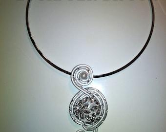 silver aluminum collar