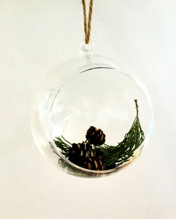Items similar to Christmas Ornament Essential Oil Diffuser - Christmas Tree Scent (Cedarwood ...