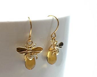 Honeybee earrings, bee earrings, unique earrings, chic earrings, drop earrings, dainty earrings, simple earrings, gift for her