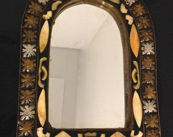 Vintage Rounded-Top Mirror with Beautiful Detailing and Floral Design