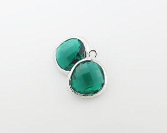 G001010P/Emerald/Rhodium plated over brass/Asymmetrical framed glass pendant/13mm x 15.8mm/2pcs