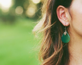 Emerald Green drop earring