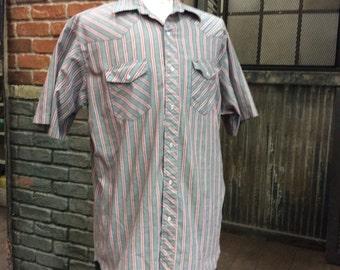 Classic Wrangler: Vintage Western Style Shirt