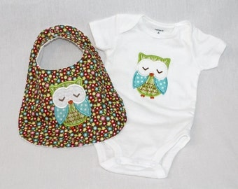 Cute Owl Onesie and Bib Set - with Embroidered Owl.