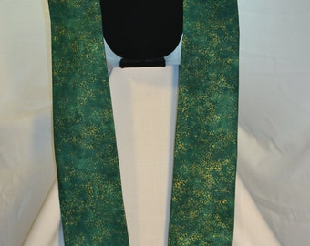 green and gold clergy stole