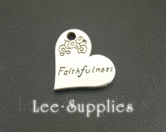 10pcs Antique Silver Alloy Engraved Faithfulness Heart Charms Pendant A692