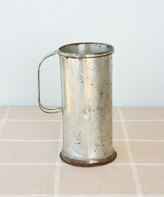 Vintage Galvanized Measuring cup Milk beaker Turkish steel can jug Metal Collectible tin Rustic vase Farmhouse Country Cottage home decor