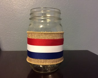 Patriotic Mason Jar. Great for centerpieces and party décor.