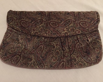 Sale: Glam 1980's Paisley Velvet Purse