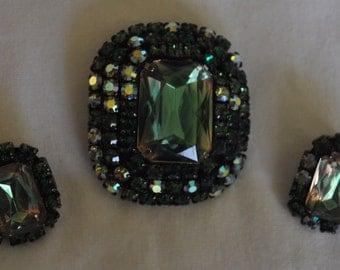 unsigned beauty demi parure emerald rhinestone brooch and earrings