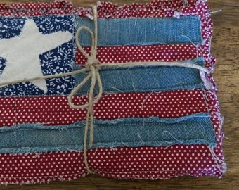 ADORABLE Americana quilted mug rugs
