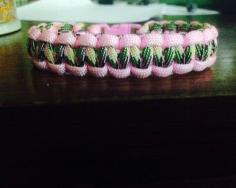 PinkCamo Paracord Bracelet