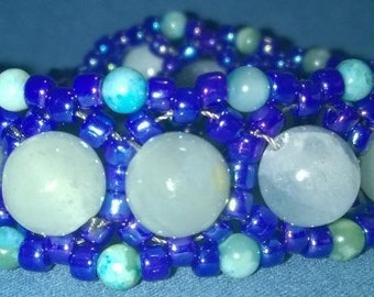 Blue and Turquoise Large Daisy Chain single wrap bracelet