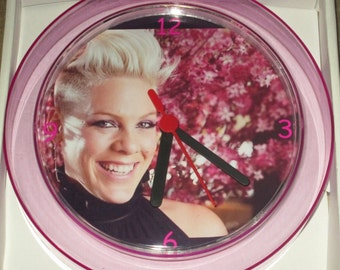 PINK Novelty Wall Clock 7 Inch BRAND NEW **L@@K**