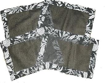 4pc. Black & White Floral Print Table Placemats
