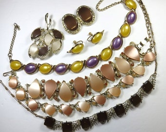 SJK Vintage Discount -- Bundled Lot of Awesome Thermoset Chokers, Bracelet, Brooch, and Clip On Earrings (1950's-60's)