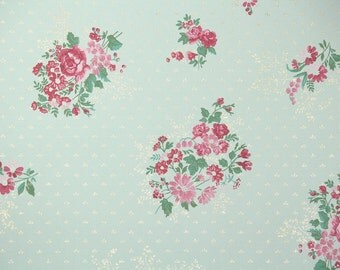 1940's Vintage Wallpaper - Pink Flowers on Mint Green