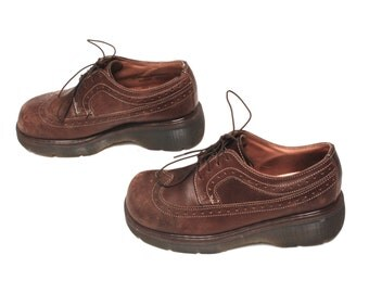 size 7 DOC MARTEN brown leather 80s 90s PLATFORM lace up spectator oxfords ankle boots