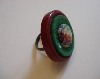 Stacked Button Ring - Vintage Buttons - Plaid Cloth Button Center - Adjustable