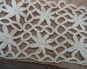 VINTAGE Round Circle Fine Ecru Thread Crochet Lace Applique Trim  T4
