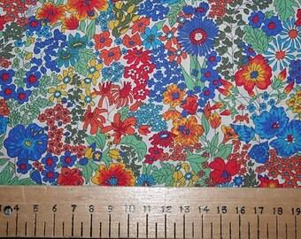 "Liberty Tana Lawn ""MARGARET ANNIE"" blue/red 20 x 20cm (8 x 8"")"