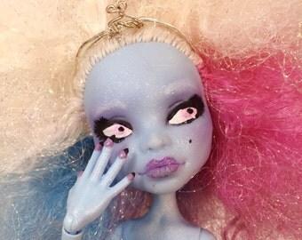OOAK Monster High Repaint Ice Queen Abbey