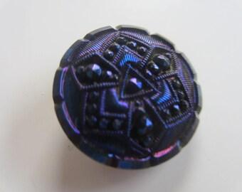 Vintage button, 1 large pressed  glass cobalt blue iridescent glass, Czech (aug 98)