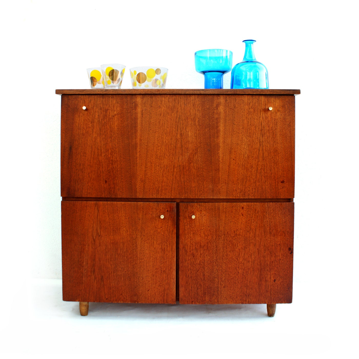 Free Shipping Mid Century Modern Bar Cabinet