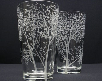 2  Pint Glasses Hand Engraved 'Branches and Leaves' Wedding Party Beer Glasses