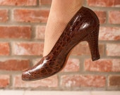 Vintage 1930s Shoes - Chic Chocolate Brown Reptile 30s Pumps with Cutout Vamp, Peeptoe and Sleek Heels, Size 9.5 N