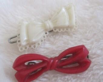 vintage barrettes,  tiny red bow  little white bow barrette, picot edge