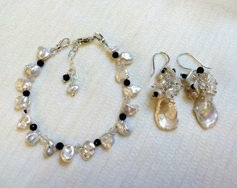 Keishi Pearl Wedding Earrings Bracelet Set Swarovski Crystal Cluster Black White Pearl Earrings Bracelet Set Black Spinel Beach Wedding