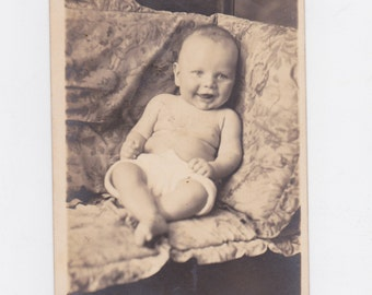1920-30s  picture post card of a young baby