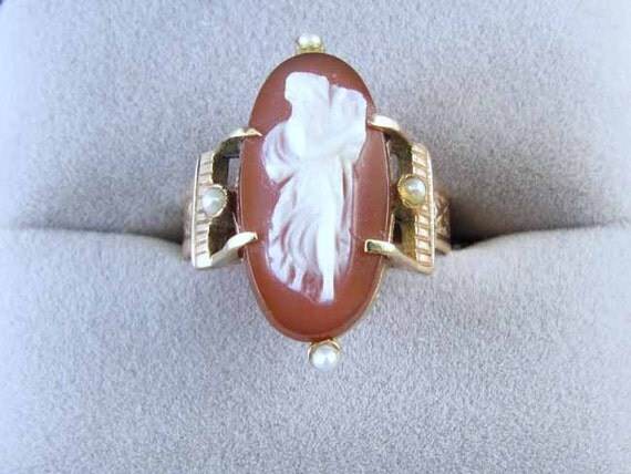 Antique Victorian rose gold hardstone sardonyx cameo seed pearl double buckle ring full body with lyre harp