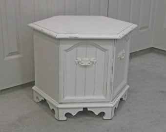 Shabby Cottage Style Hexagon End Table / Nightstand - Chic TB803 Chippy Farmhouse Style