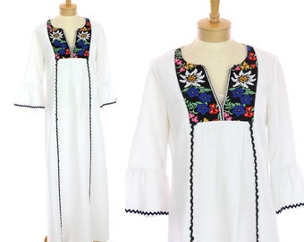 Embroidered Hippie Dress 60s Festival Lady Shaheen Mod Maxi Bell Sleeves Floral Details 70s 1960s Vintage Boho Large L XL