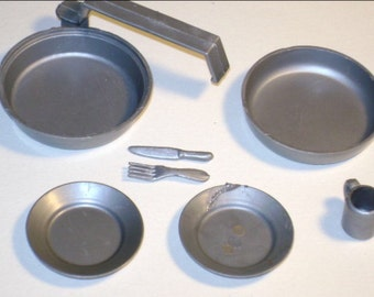 Vintage Gabriel mess kit from 1970's