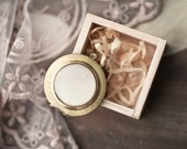 White tulip locket necklace - Photo holder - Bloom collection by BeautySpot (L018)