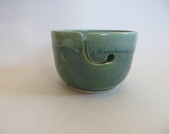 Ceramic Yarn Bowl, Knitting Bowl, Crocheting Bowl, Yarn Holder, Green Flower Yarn Bowl, Knitting Bowl, Handmade Pottery, Yarn Bowl No. 12