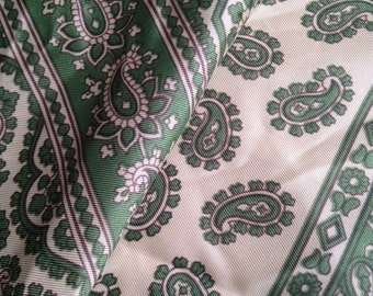 Vintage Scarf GREEN PAISLEY 1970s Fashion