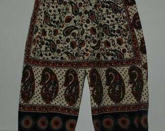 Hippie Harem pants -Green Tan Paisley - size 5 -  fits many sizes- Jams or Capris on older child - read Measurements.Boys or Girls